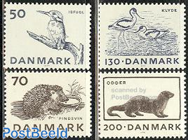 Endangered animals 4v