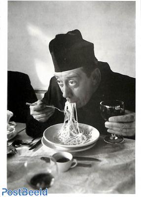 Fernandel as Don Camillo, Walter Carone